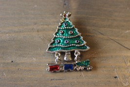 Vintage Enamel Christmas Tree Train Brooch 4.6 x 3.2 cm - $11.87