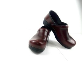 Dansko Womens Clogs Red Patent Leather Professional Work Slip-on Shoes Mules 9.5 - $44.37
