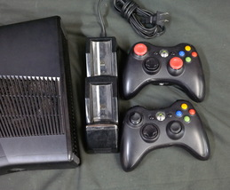 XBox 360 Console 250gb Model 1439 2 Controllers 2 Rechargeable Battery Pack - $119.95
