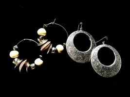 Vintage Two Pair Earrings Hoop Dangling Silver Etched Fashion Costume Je... - $9.66