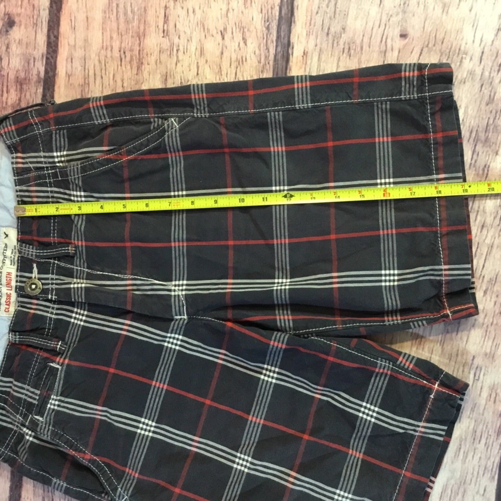 American Eagle Shorts Men's Size 28 Classic Legnth Blue Red Plaid
