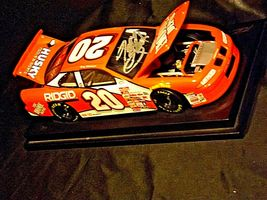 Revell #20 Autographed Tony Stewart Collector's Club AA19-NC8072 Adult Collectib image 3