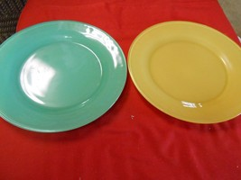 "Great Vintage ANCHOR HOCKING ? Two 9"" DINNER PLATES - $10.80"