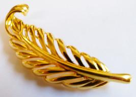 VINTAGE NAPIER GOLD TONE  LEAF FERN PIN BROOCH - $20.59
