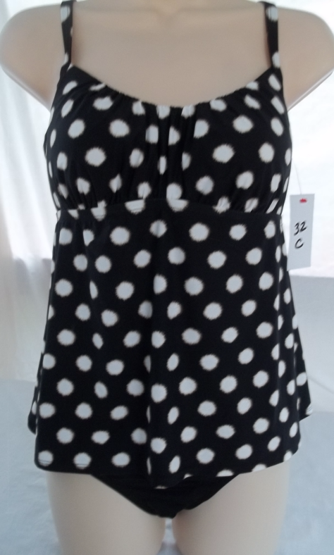 COCO REEF TANKINI AND CLASSIC BOTTOM,SIZE 32C/SMALL