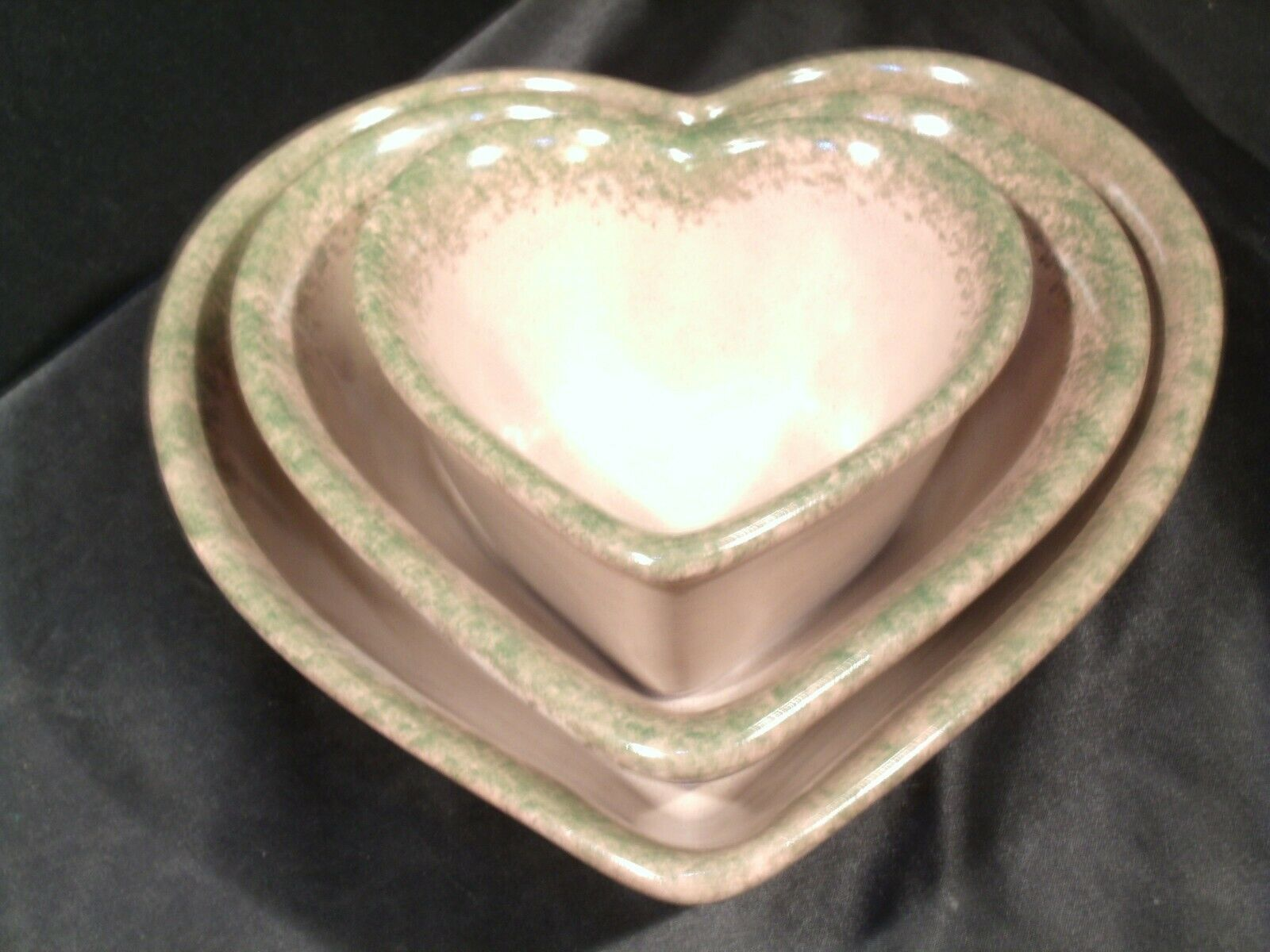 Stoneware Heart Shaped Serving Bowls AA-192037 (3 pieces)
