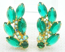 VTG DeLizza & Elster JULIANA Gold Tone Green Glass Rhinestone Clip Earrings - $49.50
