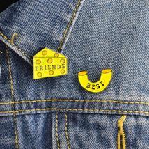 2pcs/set Macaroni & Cheese Best Friends Pin Sbrooch Enamel pins Collar Corsage G - $3.99