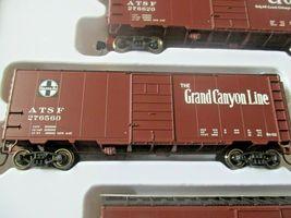 Walthers  Mainline # 910-51402 Santa Fe Slogan PS-1 40' Boxcars (4-PK)  HO-Scale image 5