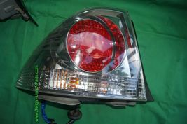Lexus IS300 Sedan Taillights Tail Lights Lamp Set Pair 01-05 L&R image 8