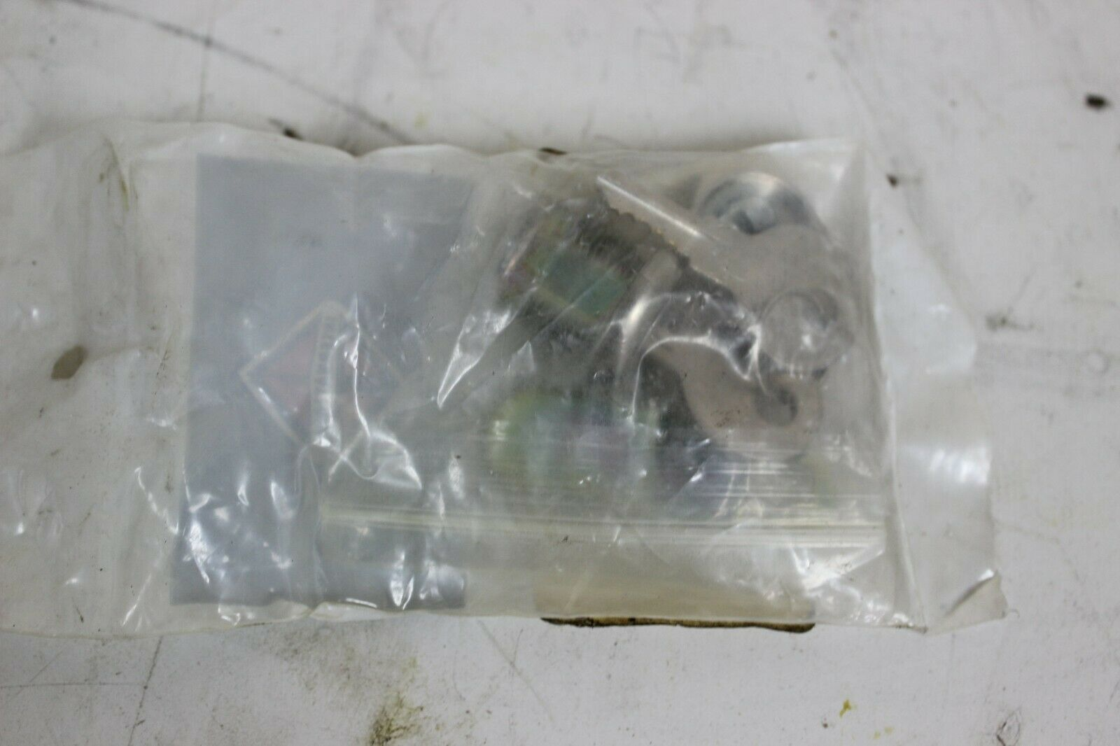 International 92008000 Lock Cam Type with Keys New