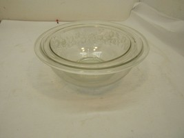 Set of Two Vintage Pyrex Clear Glass Bowls with Etched Flowers 1 & 1.5 Liter Siz - $29.65