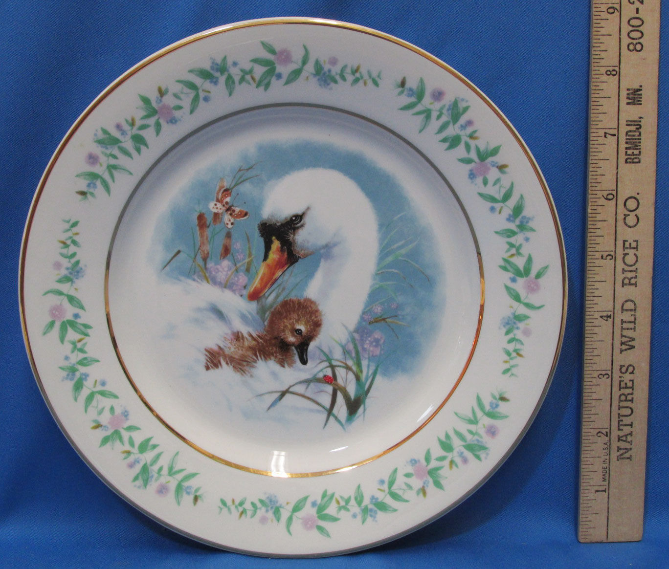 Vintage 1975 Enoch Wedgwood Collectors Plate Avon Gentle Moments Swan Baby