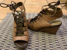 SCHULER & SONS ANTHROPOLOGIE TAUPE BROWN LEATHER CUTOUT LACES 6 M WEDGE ... - $25.09