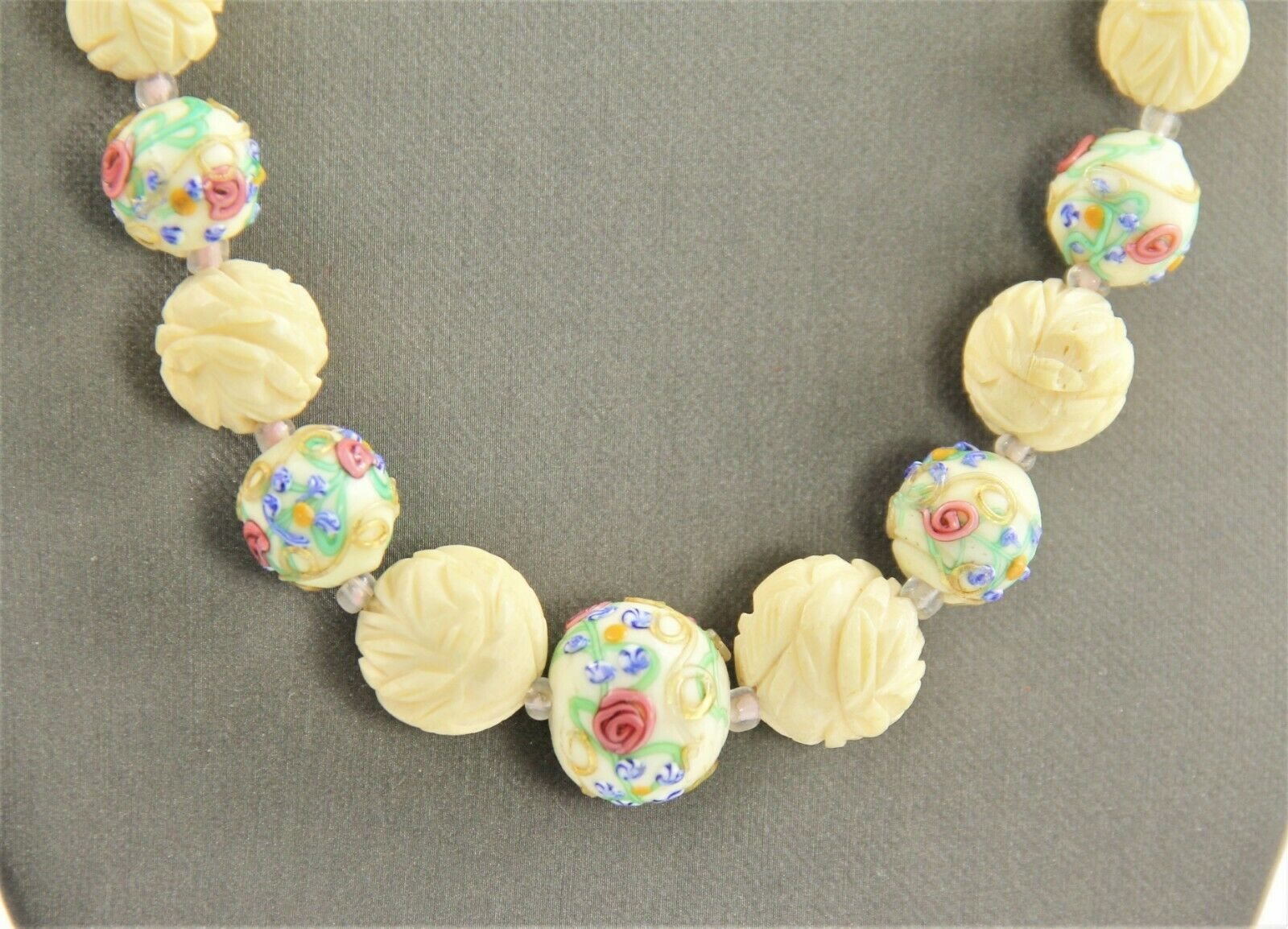 "26"" VINTAGE ESTATE CHINESE EXPORT CARVED BOVINE BONE WEDDING CAKE BEAD NECKLACE"
