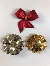 Vintage Retro Lot of 3 Large Metal Flower Ribbon Various Brooch Pins  - $9.79