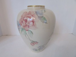 "LENOX LARGE FLORAL VASE CHATSWORTH PATTERN GOLD RIM 9"" MADE IN USA - $24.70"