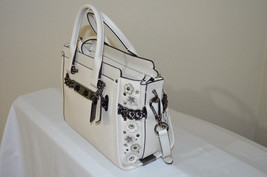 NWT COACH Swagger 27 in Glovetanned Leather Willow Floral Chalk 59091 - $363.33