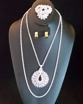 TRIFARI White Lacey Vintage Jewelry Set- Brooch Necklace + Monet Earrings- 1960s - $75.00