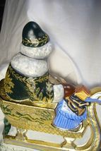 Vaillancourt Folk Art Large Santa in Golden Sleigh personally signed by Judi! image 10