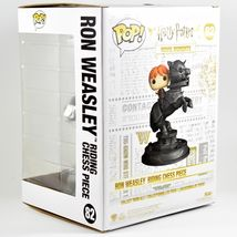 Funko Pop! Movie Moments Harry Potter Ron Weasley Riding Chess Piece #82 image 4