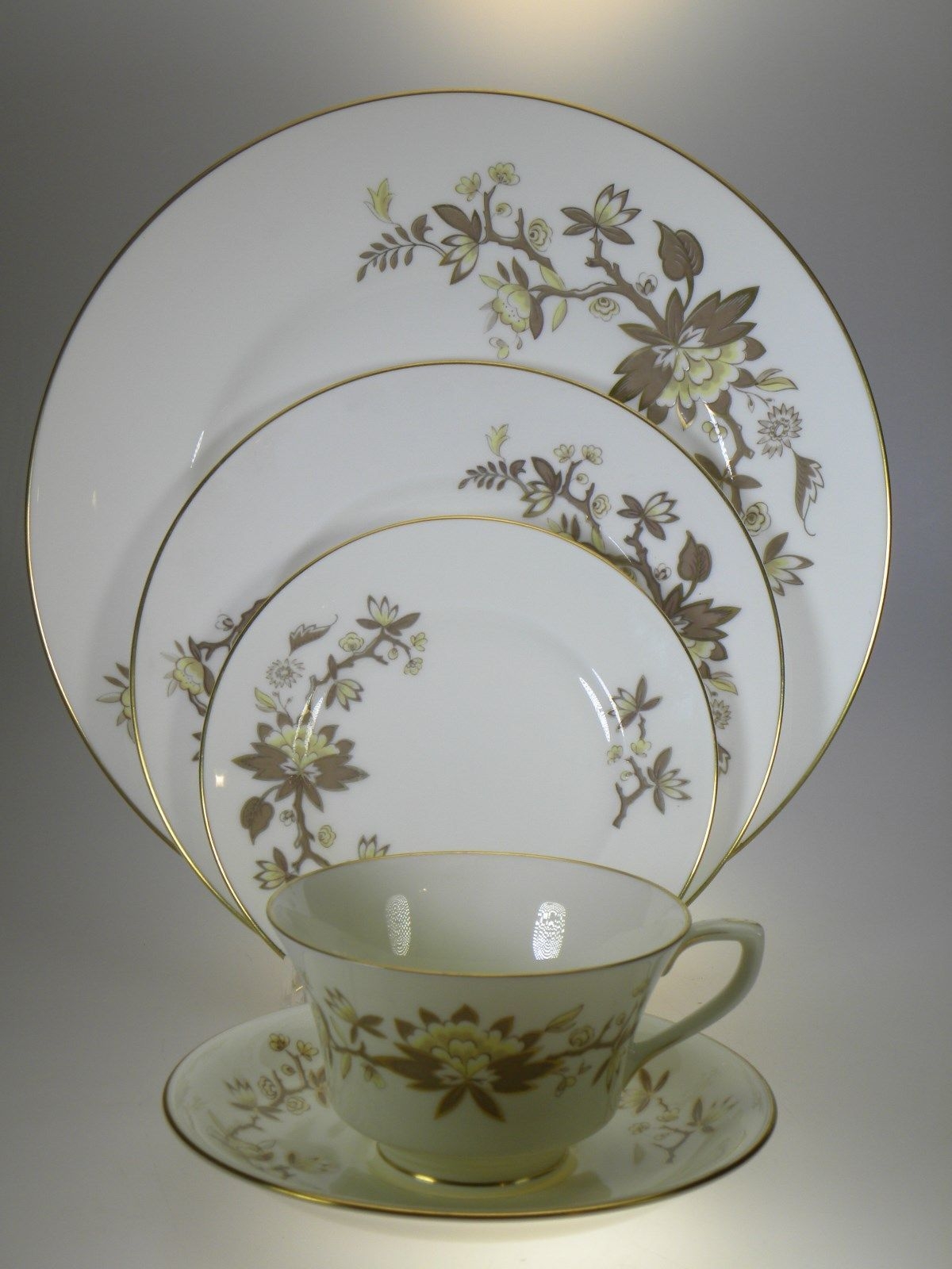Royal Worcester Reverie 5PC Place Setting