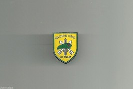Army Special Forces Green Beret Vietnam Pin - $15.33