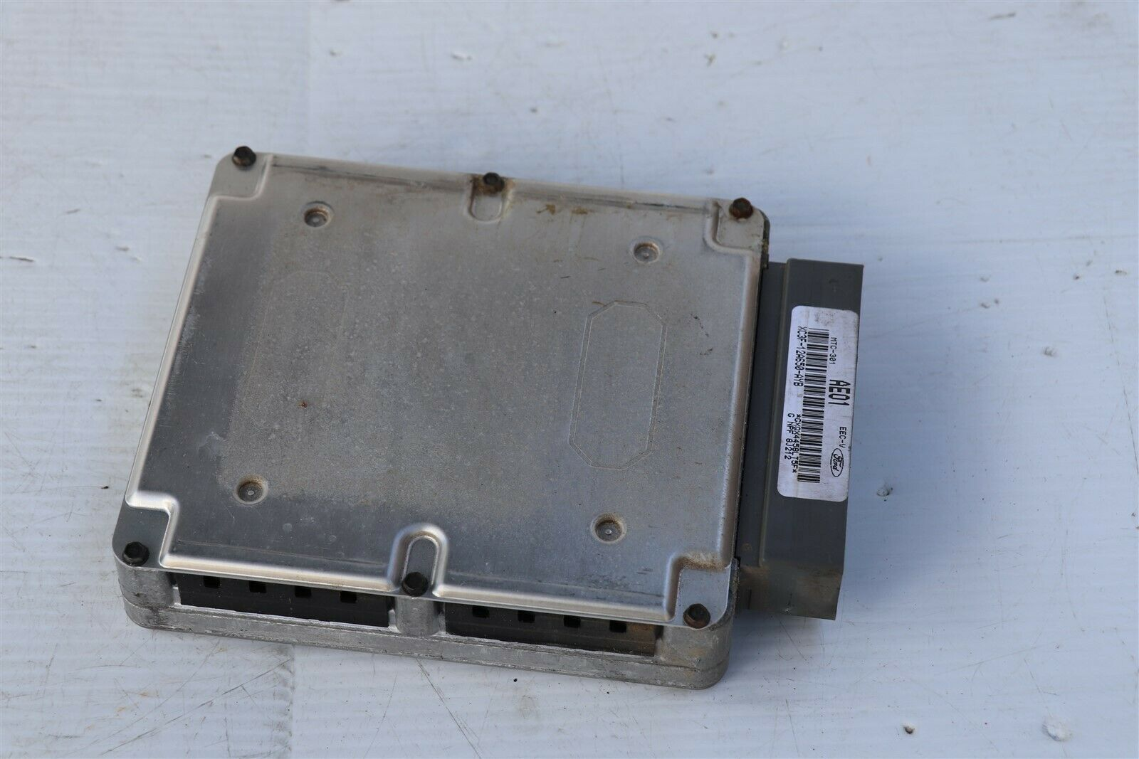 Ford ECU ECM PCM Engine Computer Module xc3f-12a650-ayb