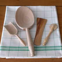 Baker's Gift Set - Spice Scoop, Pastry Cutter, Flour Spoon, Spatula, Tea Towel - $43.00