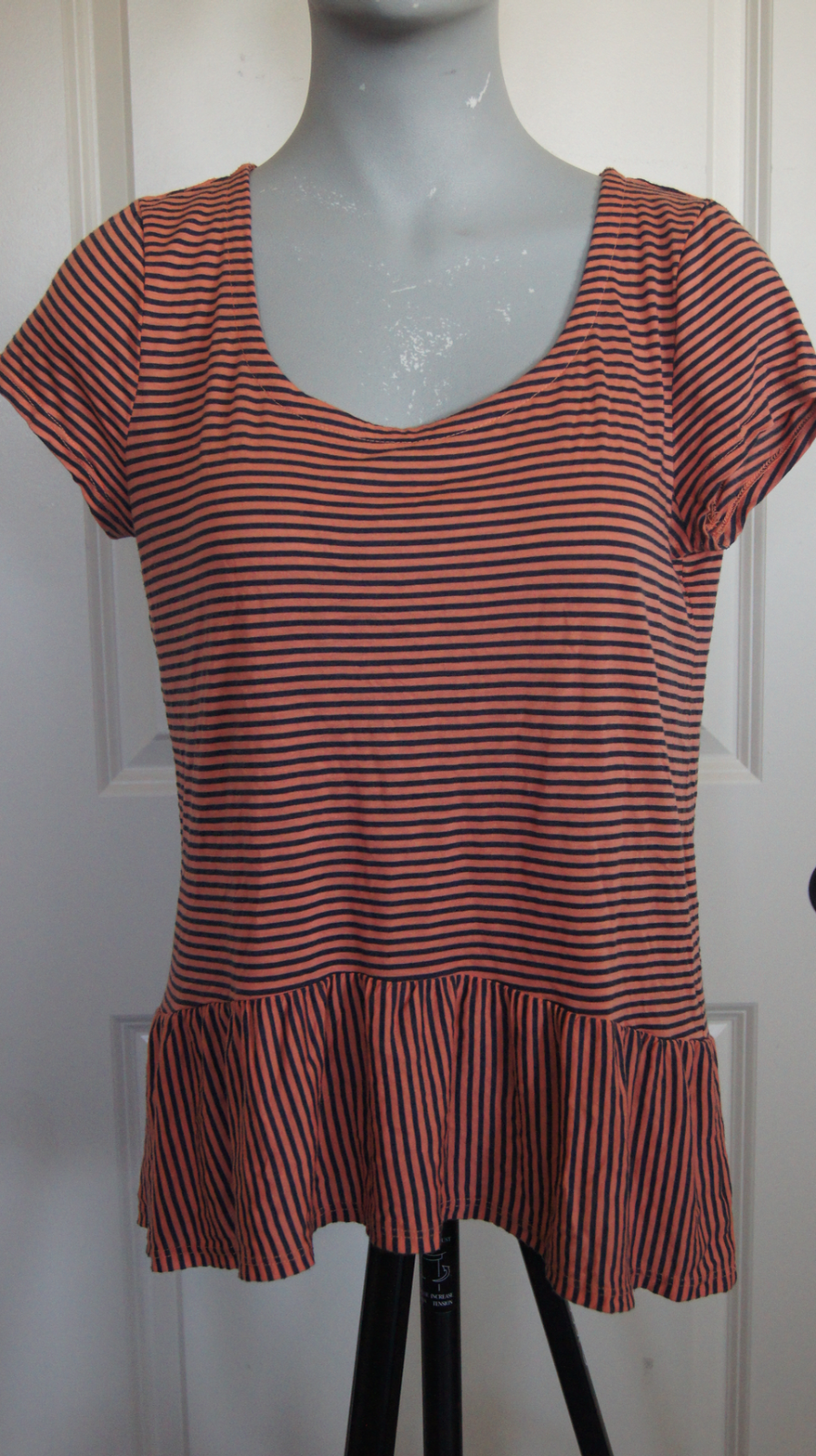 Splendid L Coral/Navy Striped Hi Low Peplum Short Sleeve Jersey Knit Top N1