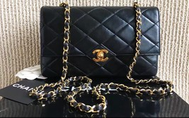 100% Authentic Chanel Vintage Black Quilted Lambskin Classic Flap Bag GHW