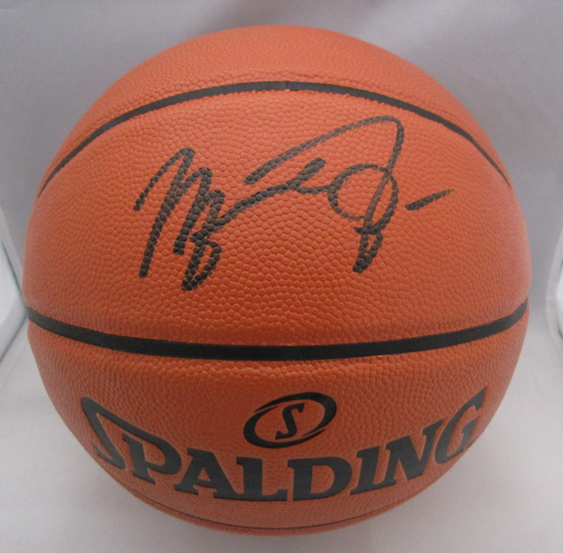 MICHAEL JORDAN / NBA HALL OF FAME / AUTOGRAPHED FULL SIZE NBA BASKETBALL / COA