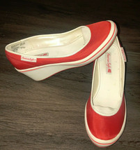 American Eagle Red And White Slip On Wedge Heel Shoe Womens 7.5 - $34.65