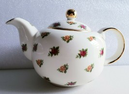 TEAPOT & LID OLD COUNTRY ROSES (Classic II) by ROYAL ALBERT - $59.00