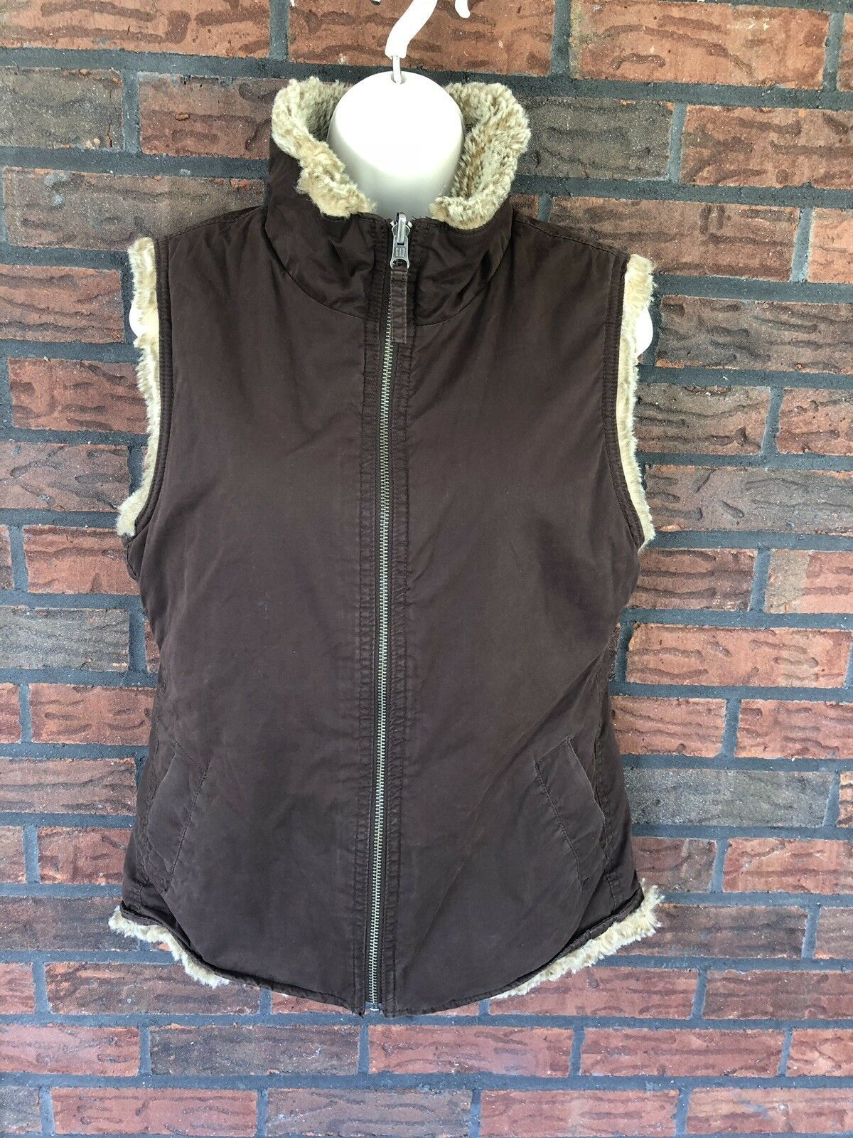Gap Reversible Vest Small Chocolate Suede Beige Fur Full Zip Collar Soft Pocket