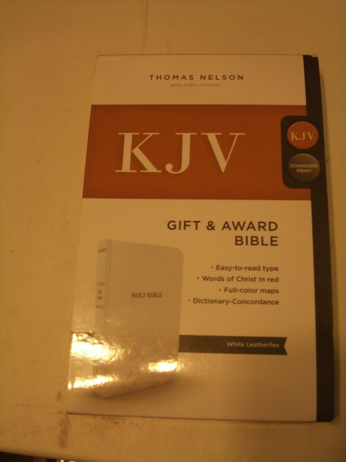 Primary image for KJV, Gift and Award Bible, Imitation Leather,White,Red Letter Edition,Maps,Dicti
