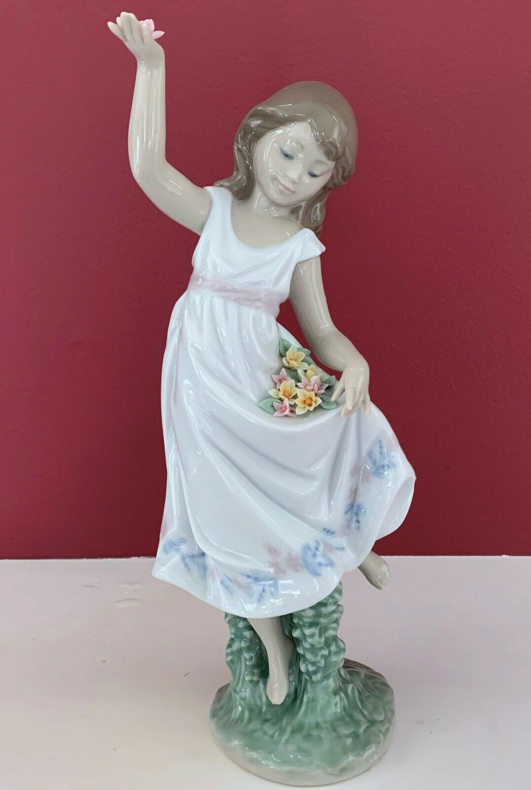 "Primary image for NEW $495 LLADRO #6580 GARDEN DANCE GIRL W/ FLOWERS SPECIAL EVENT LTD ED 9"" TALL"
