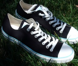 converse all star size 8 Black color Chuck Taylor Blue line (AS PICTURE) - $28.70