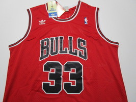 SCOTTIE PIPPEN / AUTOGRAPHED CHICAGO BULLS RED PRO STYLE BAKETBALL JERSEY / COA image 2