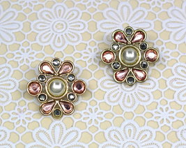 Women New Gold White Pearl Rose Stone Cluster Stud Pierced Earrings - $23.08 CAD