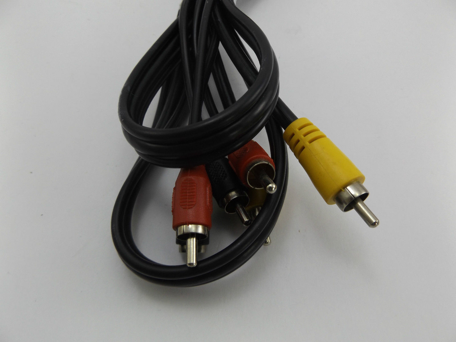 1.6m 3 Phono RCAs to 3 Phonos RCA Lead - Video Yellow & Black And Red Composite