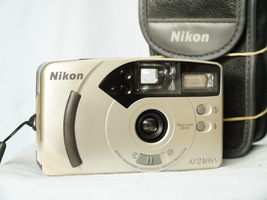 Nikon AF 240SV Point And Shoot Quality 35mm Compact Camera c/w Nikon 28mm Lens   - $25.00