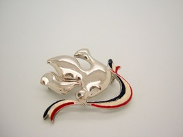 VTG silver tone DOVE OF PEACE PIN BROOCH RED WHITE & BLUE Ribbon PATRIOT... - $8.98