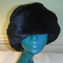 VINTAGE STYLE  BLACK SOFT BOWLER FUN FUR HAT COSY CHIC BY KLASS COLLECTI... - $17.81