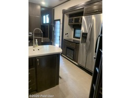 2018 Jayco Seismic 4250 FOR SALE IN Cascade, IA 52033 image 10