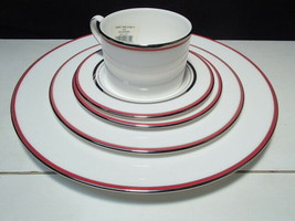 Kate Spade LIBRARY LANE Coral Band 5 Piece Place Setting by Lenox New - $59.99