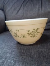 Vintage Pyrex Shenandoah Nesting Mixing Bowl #401 - 750ml - Yellow & Green Nice - $20.00