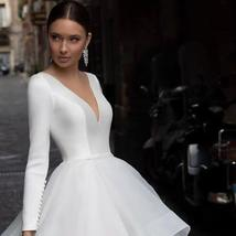 Graceful Ruffles Organza Court Train Vintage Princess Wedding Gown Scoop Neck Lo image 3