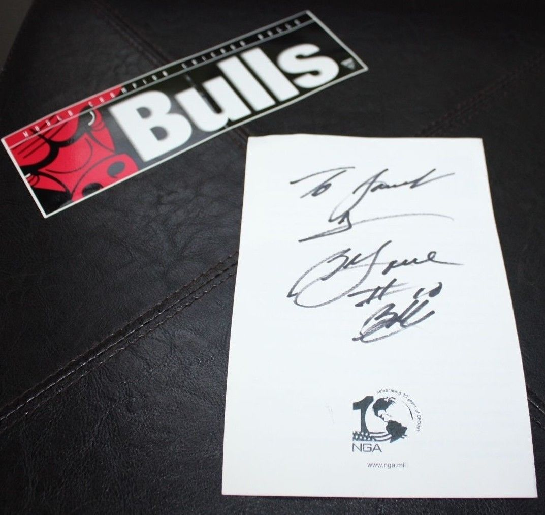 NBA All Star Bob Love Chicago Bulls Signed Autographed Brochure 100% Authentic