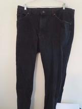 Lee Jeans Men's Size 38 x 31 Black Jeans ( Pre-Shrunk ) Excellent Used Condition - $6.92